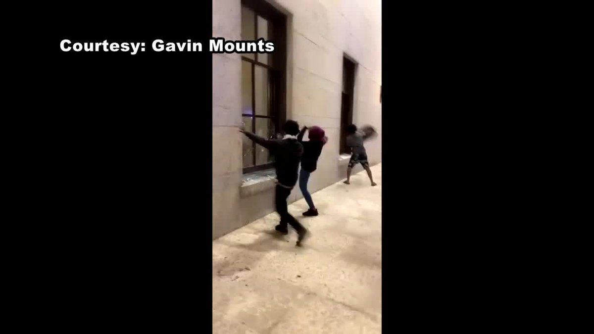 Ohio Statehouse windows smashed by George Floyd protesters in Columbus (Courtesy Gavin Mounts)