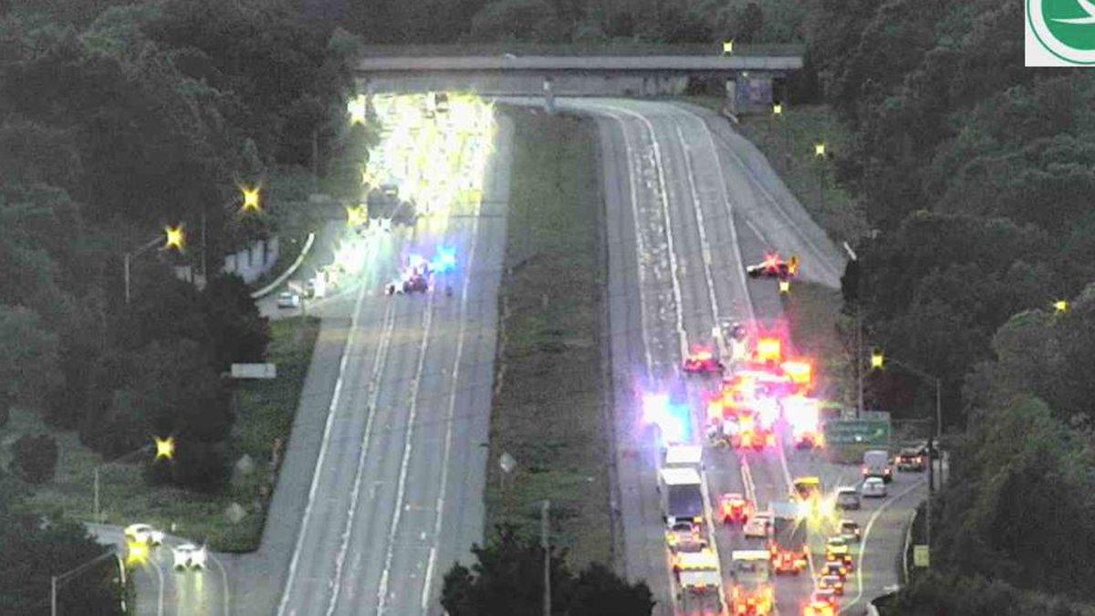Crash closes I-275 in both directions at Loveland-Madeira Road.