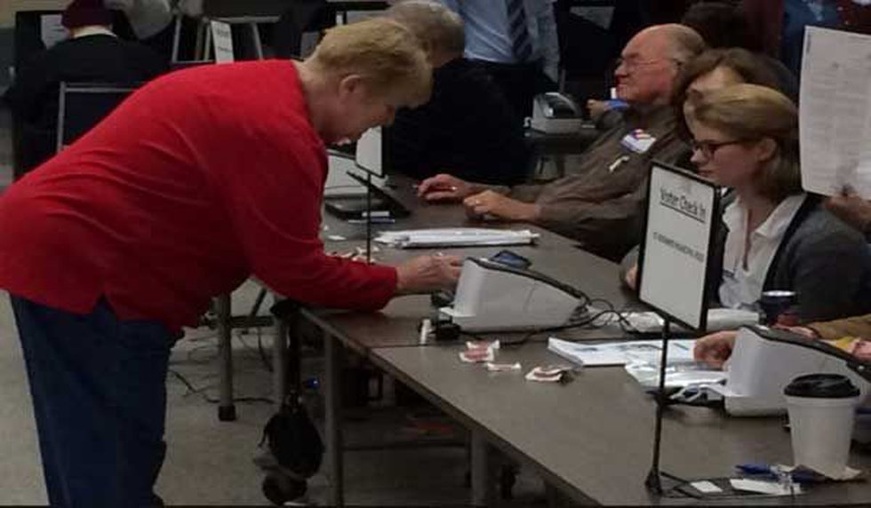 No problems were reported with electronic polling check-ins at this precinct in St. Bernard....