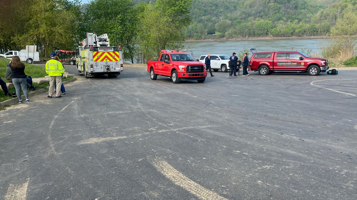 One person has been killed and two others are still missing after two boats crashed on the Ohio...