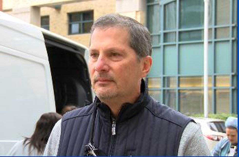 Ohio man donates 5,000 Subway sandwiches to UH doctors who saved his life during coronavirus...