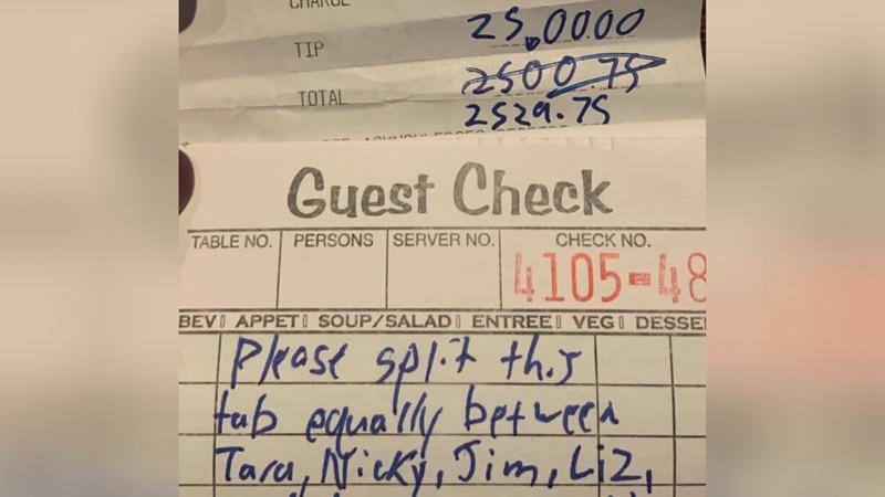 Customer leaves tip for Columbus servers
