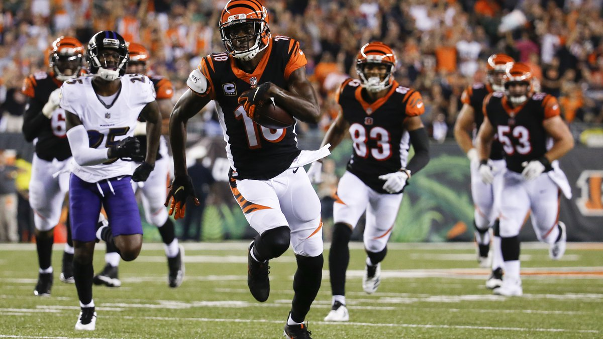 Cincinnati Bengals wide receiver A.J. Green runs in for a touchdown in the first half of an NFL...