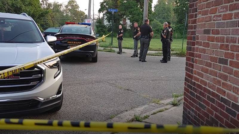 Hamilton County deputies are investigating a homicide in Lincoln Heights.