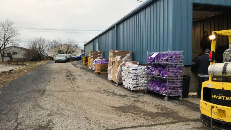 Generations Church hold drive-thru food distribution.