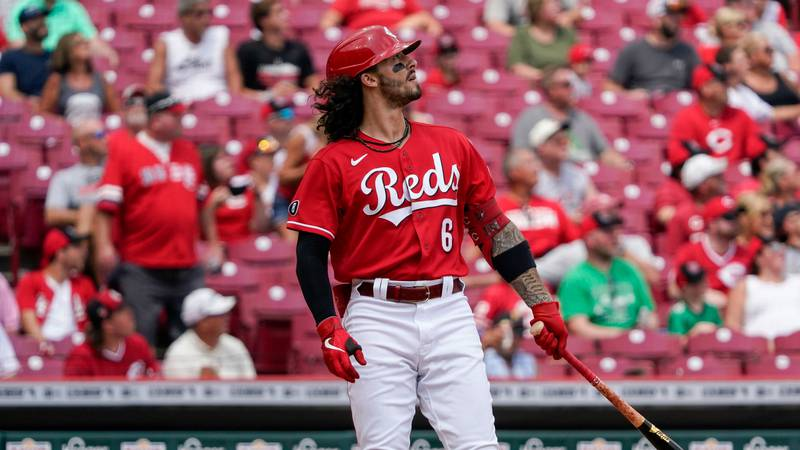 Cincinnati Reds' Jonathan India (6) plays in a baseball game against the Pittsburgh Pirates in...