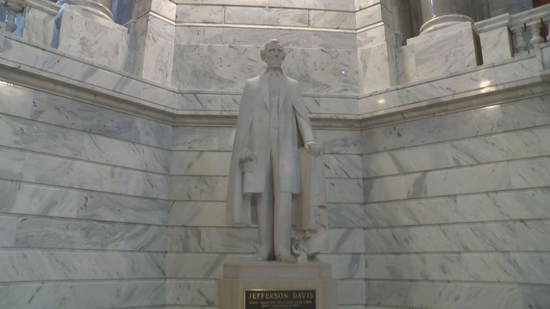 The Jefferson Davis statue in the Capitol's rotunda. (Source: WAVE 3 News)
