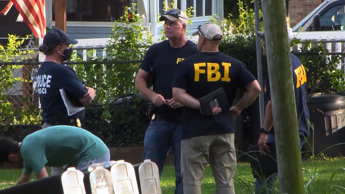 FBI agents in Bardstown, Kentucky on Aug. 12.