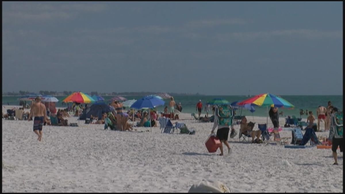 Public beaches closing on the Suncoast.