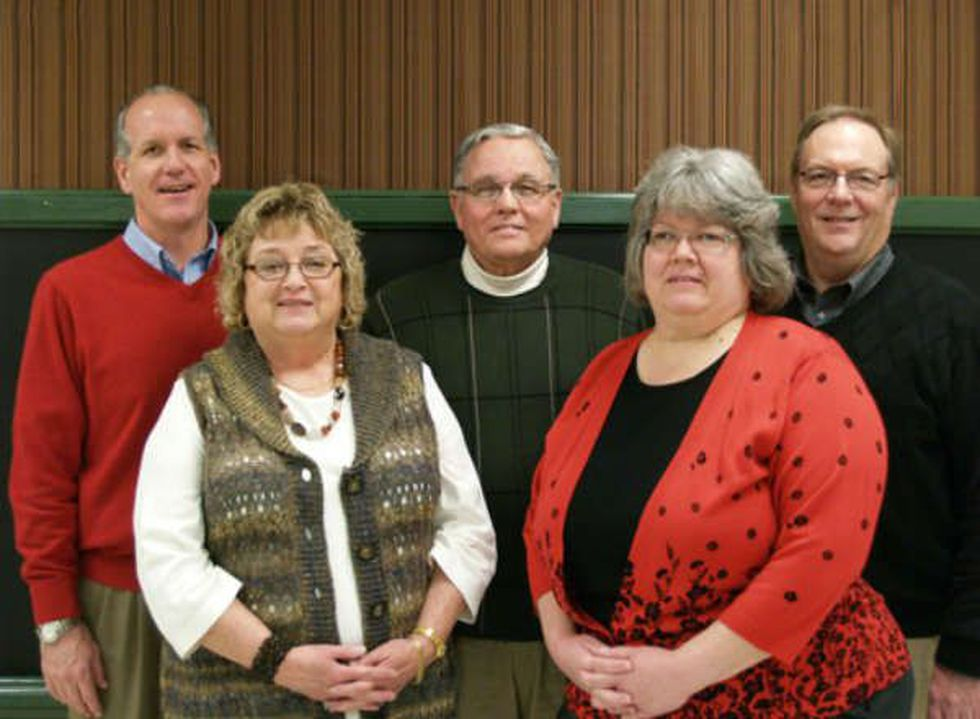 Becky Holloway pictured on the right with Kings Local School District Board