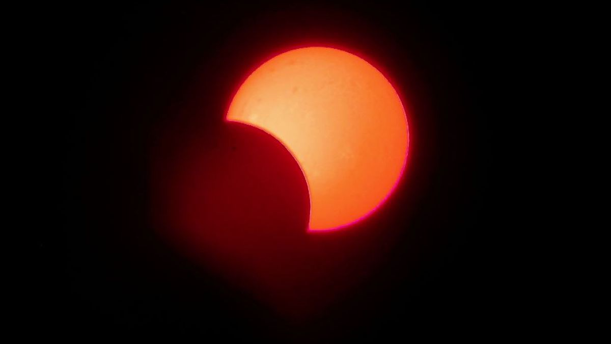 Partial eclipse image is what the Sun will look like at sunrise from Cincinnati on Thursday.