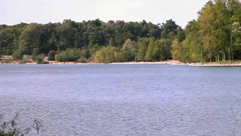 Freeman Lake is in Elizabethtown in Hardin County, Kentucky
