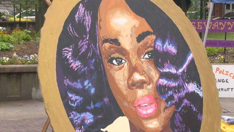Local activists, Breonna Taylor's family mark one year of Louisville protests