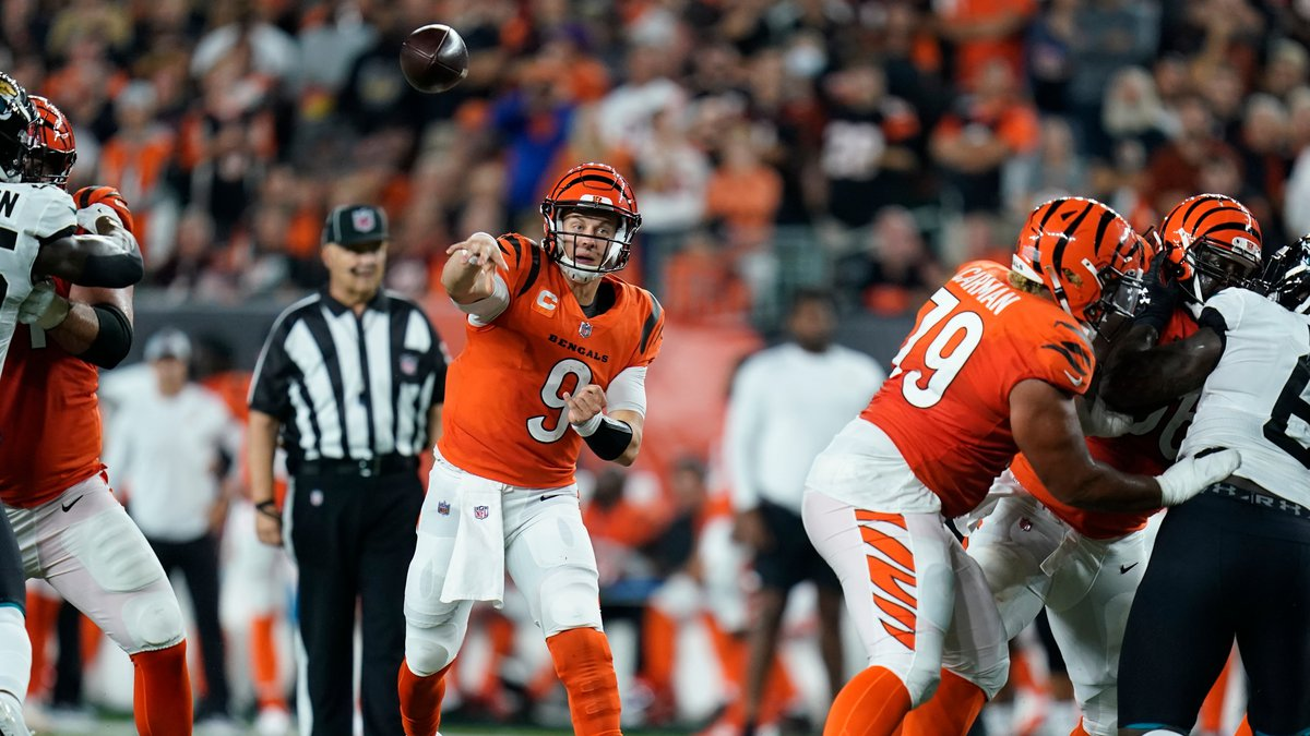 Cincinnati Bengals quarterback Joe Burrow (9) throws during the second half of an NFL football...