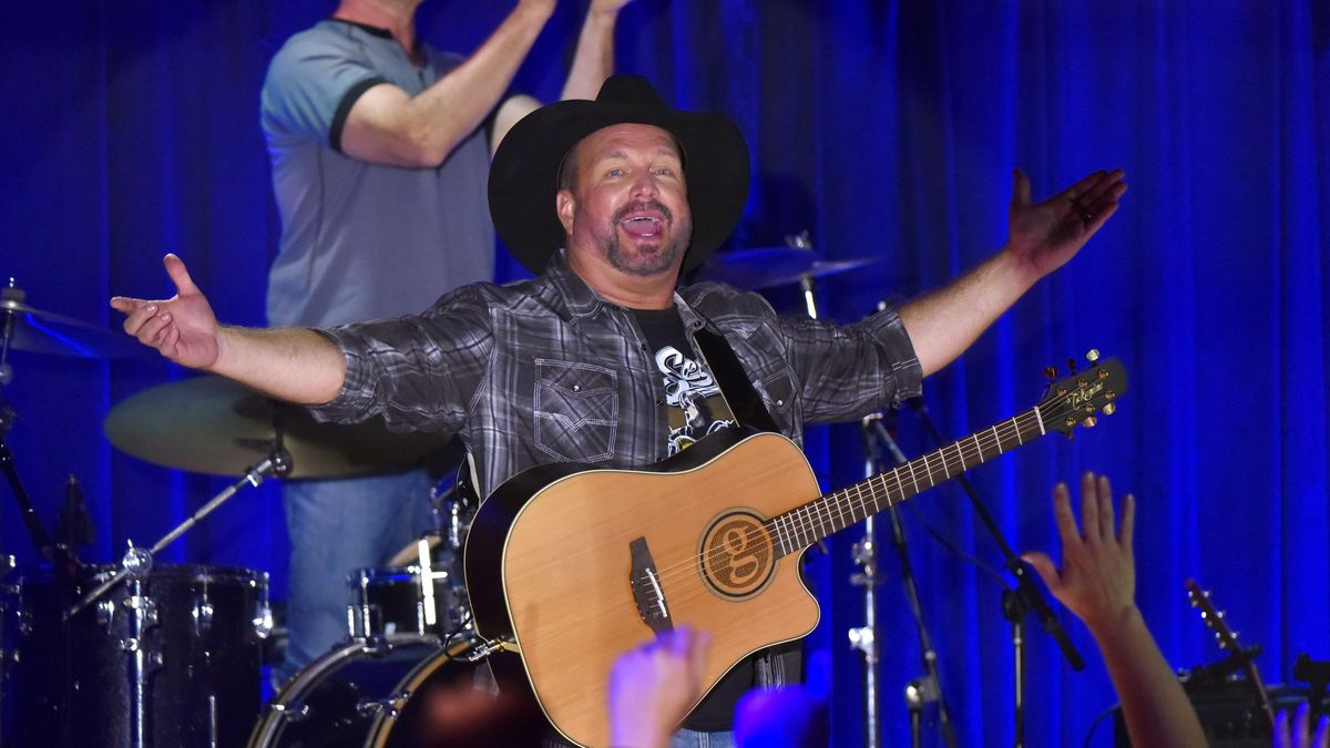 Garth Brooks performs at Joe's in Chicago, Monday, July 15, 2019, on the first stop of his Dive...
