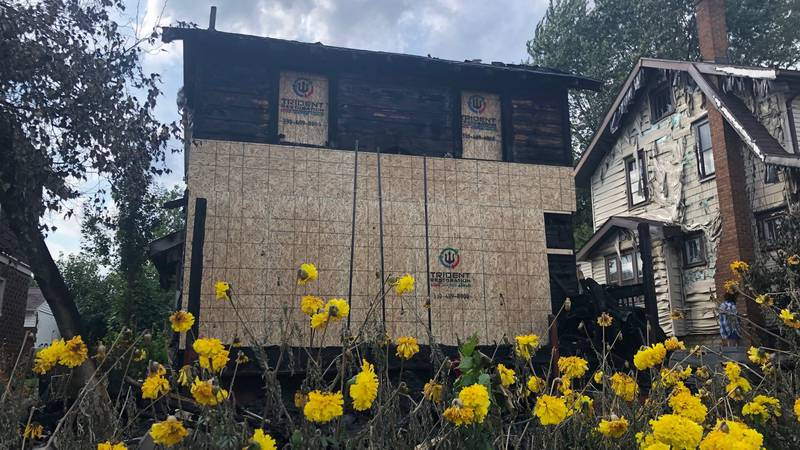 The state fire marshall's office is investigating after 5 people were killed in an Akron house...