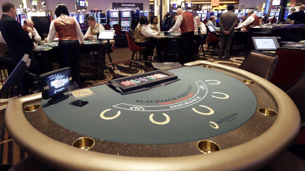 Dealers practice on the blackjack tables inside Horseshoe Casino Cincinnati (AP Photo/Al Behrman)